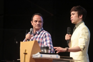 Pastor David Demian's special meetings 戴冕恩牧師特會